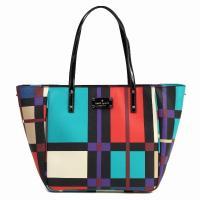 こちらの商品は新品未使用になります。カラーブロックの斬新なデザインでレアなバッグです。   スタイ...