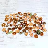 アップルやオレンジなどのいろいろなドライフルーツがアソートになった商品です。 ※果実は糖分を含んでい...