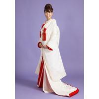 【白無垢レンタル】 比翼・袖口・ふきに赤を使用した愛らしい一着です。  嫁ぐ娘の幸せを願う母からの贈...