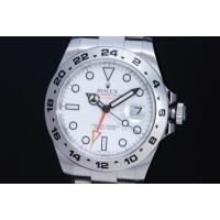 2011年に発表されたエクスプローラー2 ホワイト、42mmにサイズアップしたケースとオレンジ色のG...
