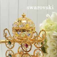 スワロフスキーのクリスタルを使用されている薔薇のオブジェになります。 リビングや寝室、またはデスクな...