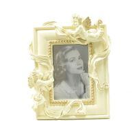 可愛い天使の写真たてになります。 卒業やご出産など記念にプレゼントとしてお使いいただけます。 商品は...