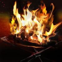 特殊耐熱鋼メッシュを採用、巻いてたためるコンパクトな焚火台。 収納ケースも付属。 ツーリングやトレッ...