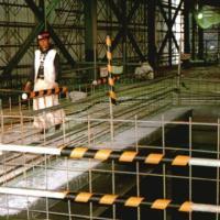 単管カバー トラ模様 60本 養生材 単管足場の養生 単管足場の養生 注意喚起 単管クッション|yojo|06