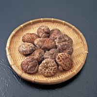 岩手の自然が育んだ、素朴な味わい。 懐かしい故郷の香りを、そのままお届けします。 ・商品名:乾椎茸 ...