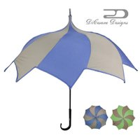 <商品説明> 10本のフレームが傘の先端に向かってスパイラル状に上がっていく独創的なフォルムの雨傘で...