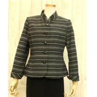ミセスにおすすめのフォーマルジャケットです。織り感のあるおしゃれなジャケットです。サラッと清涼感ある...