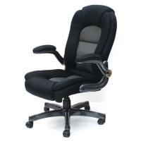 オフィスチェアレヴェリーBK83-991 座り心地はスツポリと膝から背中まで 包み込まれるような感じ...