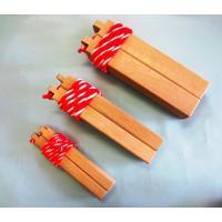 拍子木樫材製の高級仕様 紅白紐付き  形状 50×33×273mm 重さ 750g  本格拍子木です...