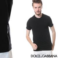 合わせるアイテムを選ばない無地のクルーネックTシャツ。程良いサイジングにシンプルなデザインとデイリー...