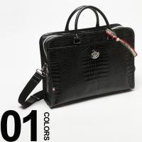 クロコ型押しのデザインが目を引くレザーブリーフバッグです。ショルダーストラップが付いているので、2w...