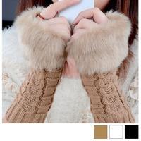 レディース用手袋です。 ファー付きでおしゃれなあったか手袋♪ シンプル素材なのでどんなファッションに...