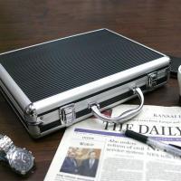 書類 タブレット iPad収納 内ポケット豊富  ◆A4サイズがスッキリ収まるビジネスシーンで役立つ...