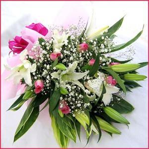 花束(白ユリとバラの花束) お誕生日 発表会 結婚記念日 お見舞い 開店祝い|087-ie