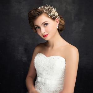 ゴールドワイヤーに輝くラインストーンやクリスタルビジューとパール ヘアービジュー ウェディング ヘッドドレス 結婚式 髪飾り 二次会 アクセサリー|1885