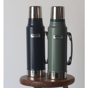 アラジン社の水筒、スタンレーボトルです。 真空断熱ステンレスボトルの先駆けとも言える、 ステンレスス...
