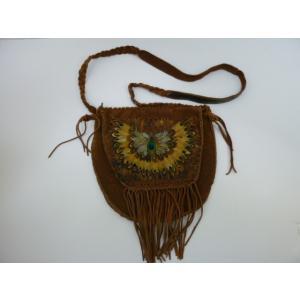 羽で飾ったフタのフリンジ付きレザーショルダーバッグ 中古 革 皮 本革 ネイティブアメリカン インディアン リメイク|25dou