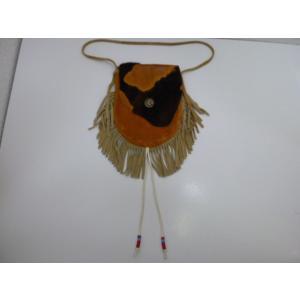 コンチョ付き牛模様のフタのフリンジ付きレザーポーチ 中古 革 皮 本革 ネイティブアメリカン インディアン リメイク|25dou