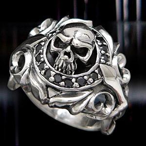 送料無料  シルバーアクセサリー シルバーリング 指輪 メンズ スカルリング ブラック・黒 r048...