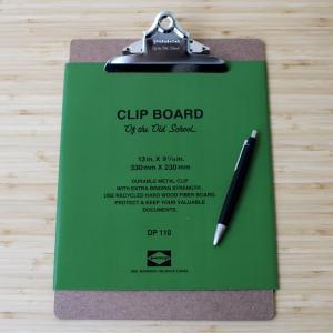オフィスの定番クリップボードです。 アメリカ映画にそのまま出てきそうな昔ながらのスタンダードな形。 ...
