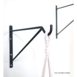 エントリーP10倍 アイアンハンギングブラケットS BK/GD(ネジ4個付)500WORKS. ハンギングフック フック 壁面 金具 天井 吊り下げ アイアン 500works