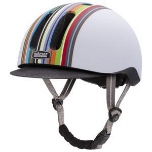 バイシクルライフをより楽しくさせるヘルメット、 それがMETRORIDEです。 びしっと決めたタキシ...