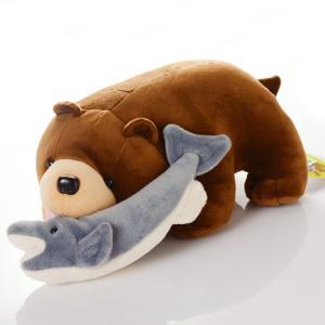 木彫り熊のようなデザインのかわいいぬいぐるみ<br>ふわふわ すべすべの素材でさわり心地...
