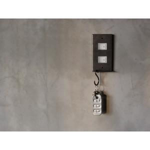 アイアン ハングバー スイッチプレート 2口 iron hang bar switch plate 2口 S字フックで鍵などを掛けれる機能的なスイッチカバー|a-depeche