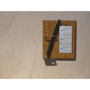 ウッド ペンホルダー スイッチプレート ワイド スイッチプレートに壁面収納をプラス ペンを2本収納可能です ワイドタイプのスイッチに対応|a-depeche