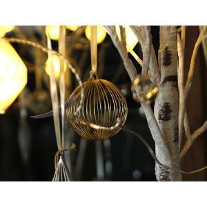 ワイヤー オーナメント スフィア 他のアイテムも引き立てるクリスマスの飾りに使いたい繊細なデザインのオーナメント|a-depeche