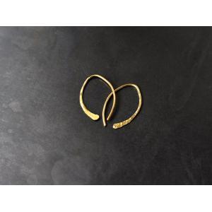 ro-ji kuni ピアス フック BP117(S) 真鍮の繊細なゆらぎを楽しむシンプルなピアス|a-depeche
