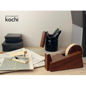 wedge 木製テープカッター くさび型のデザインがシャープな木製のテープカッター|a-depeche