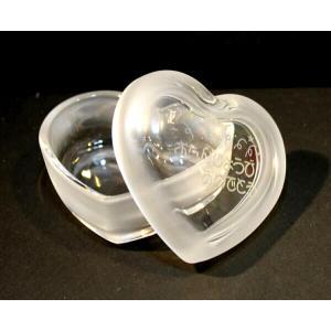 名入れガラスアクセサリーボックスハート型フロスト 誕生日の贈り物出産祝卒園記念品|a-kana