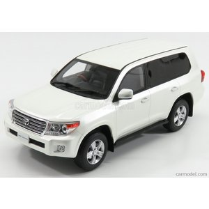 Scale: 1/18 Code: KY18008WH Colour: WHITE MET Mate...