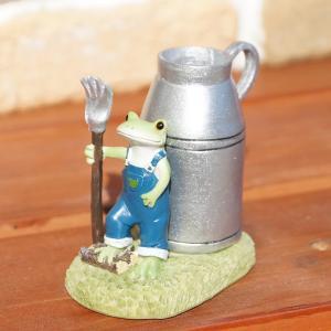 コポー Copeau かわいい カエルの置物 ファーム ミルク缶ペンたて かえる 蛙 雑貨 ガーデニング a-oluolu