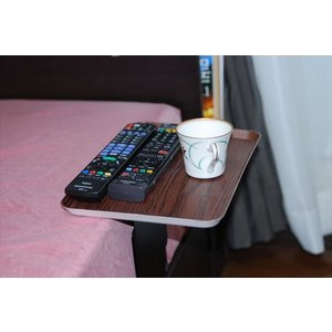 ベッドサイドテーブル「りもて」(スマホ、リモコン、文庫本用)濃い木目(小サイズ)ベッドと同じに、高さ合わせ調節可能。暗やみOK、こぼれ止め付きベッド棚。|a-pi|02
