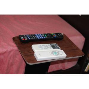 ベッドサイドテーブル「りもて」(スマホ、リモコン、文庫本用)濃い木目(小サイズ)ベッドと同じに、高さ合わせ調節可能。暗やみOK、こぼれ止め付きベッド棚。|a-pi|03