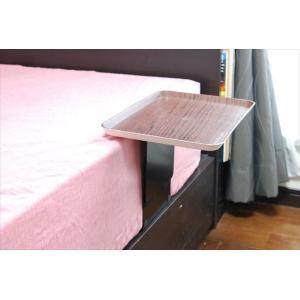 ベッドサイドテーブル「りもて」(スマホ、リモコン、文庫本用)濃い木目(小サイズ)ベッドと同じに、高さ合わせ調節可能。暗やみOK、こぼれ止め付きベッド棚。|a-pi|07