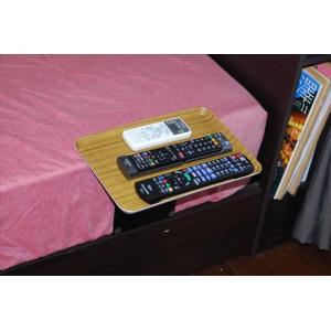 ベッドサイドテーブル「りもて」(スマホ、リモコン、文庫本用)うすい木目(小サイズ)ベッドと同じに、高さ合わせ調節可能。暗やみOK、こぼれ止め付きベッド棚。|a-pi