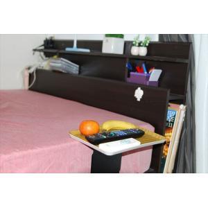 ベッドサイドテーブル「りもて」(スマホ、リモコン、文庫本用)うすい木目(小サイズ)ベッドと同じに、高さ合わせ調節可能。暗やみOK、こぼれ止め付きベッド棚。|a-pi|04