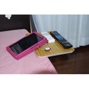 ベッドサイドテーブル「りもて」(スマホ、リモコン、文庫本用)うすい木目(小サイズ)ベッドと同じに、高さ合わせ調節可能。暗やみOK、こぼれ止め付きベッド棚。|a-pi|05