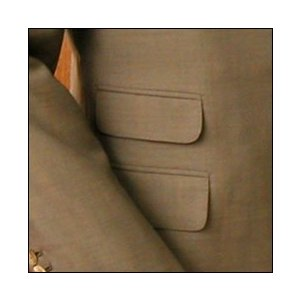 チェンジポケットは、チケットポケットとも言い、右腰ポケットの上に小さなポケットが付きます。英国調スー...