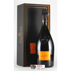 (正規代理店取り扱い) 1772年創業のシャンパーニュを代表、ロゼ・シャンパンを最初に造った事で有名...