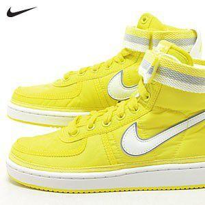 nike スニーカー yellow