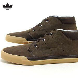 adidas スニーカー ブラウン