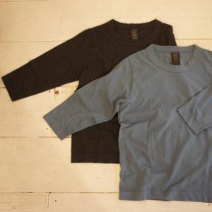homspun (ホームスパン) 天竺七分袖Tシャツ サックス/チャコール|abracadabra