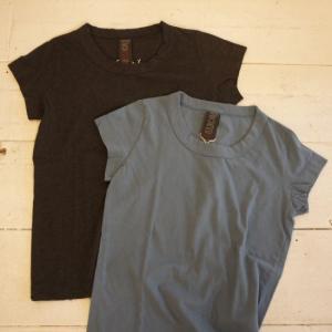 homspun(ホームスパン) 天竺フレンチスリーブTシャツ サックス/チャコールグレー|abracadabra