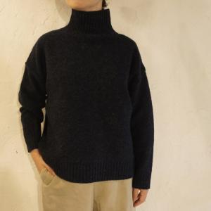 ICHI Antiquite's メリヤスタートルセーター ブラック|abracadabra