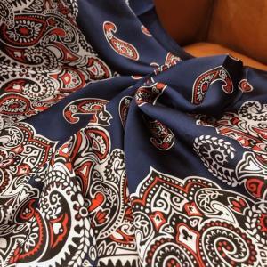 バンダナプリントサテンスカーフ ネイビー|abracadabra