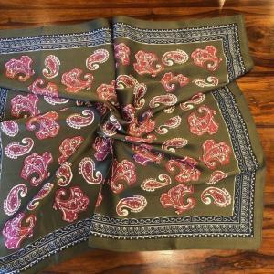 ペイズリープリントサテンスカーフ グリーン|abracadabra